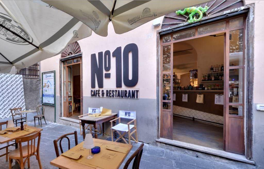 Lavagna 10 Ristorante - Pub, Genova, Immagini a 360° per Google Street View