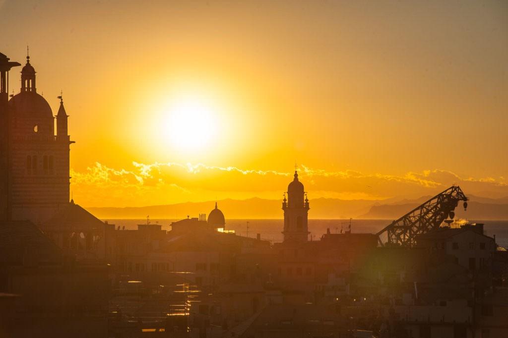 Garbamar Porto Antico Genova Lens Test